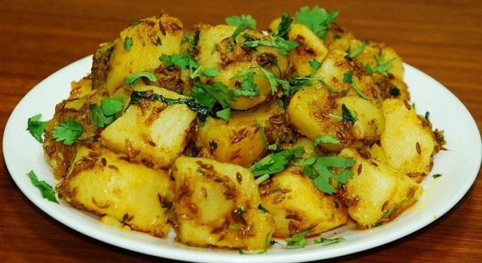 Aloo Ki Sukhi Sabzi Recipe