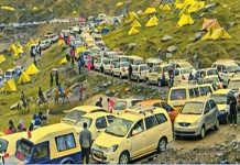 Overcrowded Hill Station in India